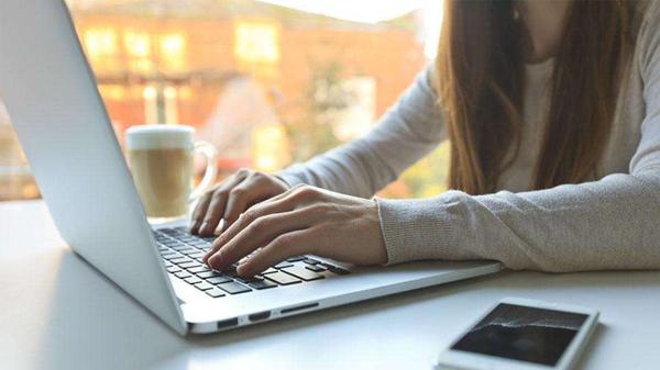 成都养老院一暄康养提醒清晨的习惯是健康关键(3)-早起不能立即工作
