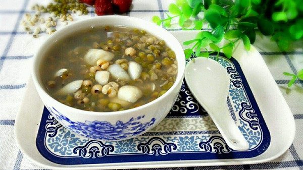 成都养老院一暄康养教您夏季如何去除体内湿热(三)-百合绿豆粥
