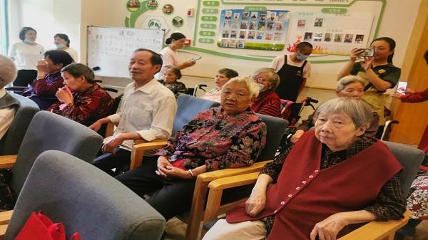 成都口碑好的养老院发现:60岁及以上老年网民数量达到1.23亿人