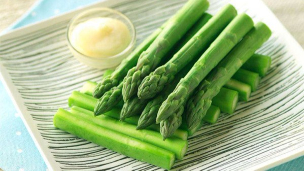 成都养老院夏季时令蔬菜推荐——芦笋