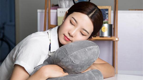 成都养老院一暄康养提醒您:午睡别趴着,伤眼又伤颈(二)1