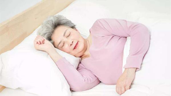 成都养老院一暄康养提醒您:午睡别趴着,伤眼又伤颈(二)2