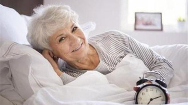 一暄康养教您如何给中老年人买睡衣(一)