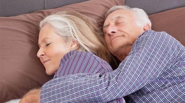 成都养老院一暄康养教您如何给中老年人买睡衣(二)1