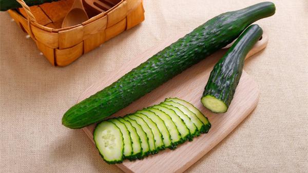淡化色斑吃这些,成都养老院都说好——蔬菜篇1黄瓜