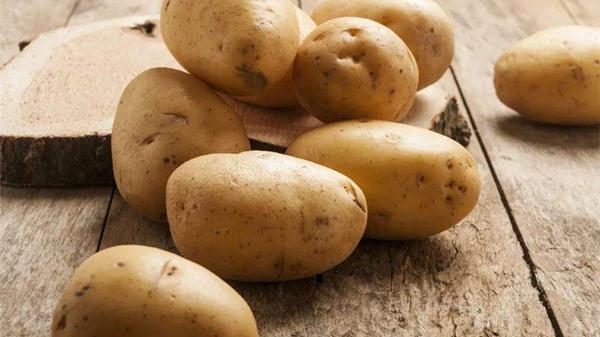 淡化色斑吃这些,成都养老院都说好——蔬菜篇4土豆