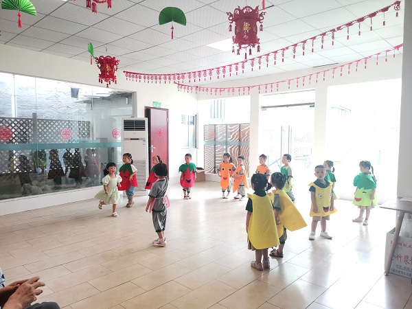 幼儿园节目表演