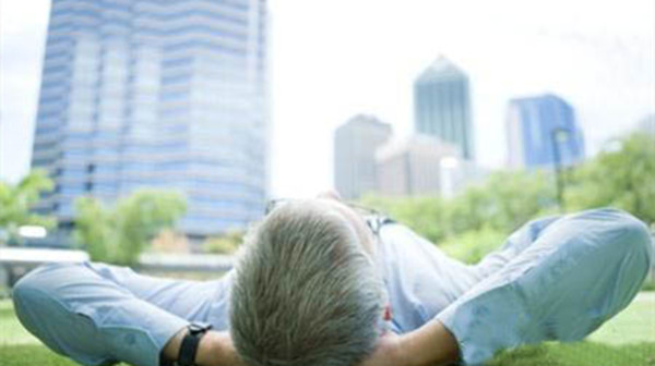 成都金牛养老院一暄康养介绍应该如何预防头发提前变白(5)预防头发变白的方法,成都金牛区养老院一暄康养为您分享(一)-晚上11点之前就寝
