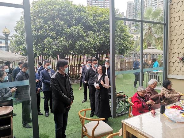 重庆市各级民政领导查看长者生活