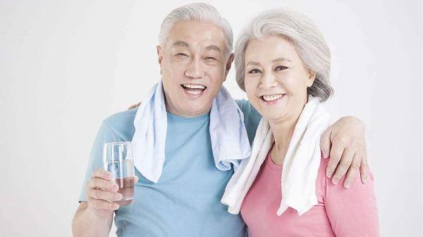 成都高端养老院一暄康养健康分享:喝对水能治病1