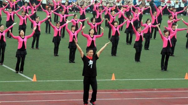 成都西门中海国际附近的高端养老院一暄康养提醒你跳广场舞要注意这些! (4)