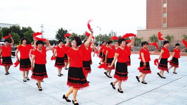 成都西门中海国际附近的高端养老院一暄康养提醒你跳广场舞要注意这些! (3)