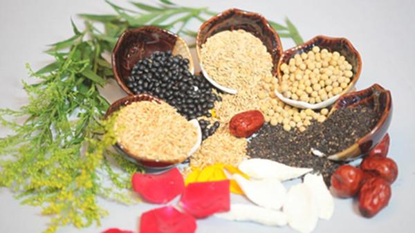成都养老院经验分享-冬季如何增御寒能力-豆子红枣等5