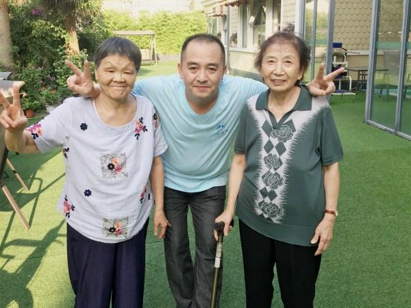 成都养老院|与老人在一起的快乐时光|和乐融融
