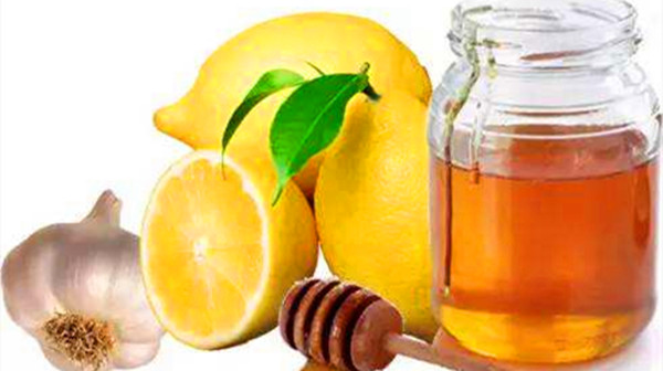 成都青羊区养老院-一暄康养推荐喉咙痛喉咙发炎怎么办(一)-蜂蜜柠檬水3