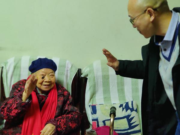 看望慰问百岁老人丨一暄康养践行公益一直在路上12