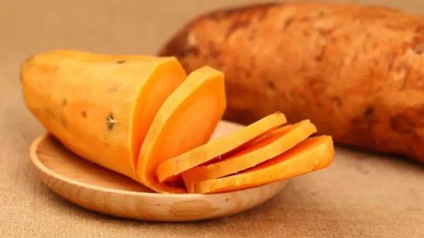成都青羊区养老院-一暄康养介绍老年人饮食方面需要注意哪些-红薯4