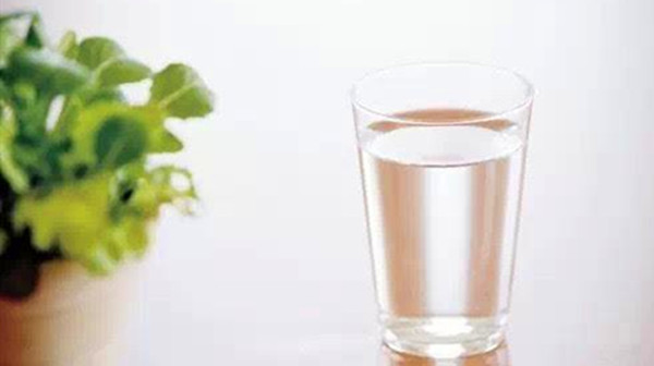 成都青羊区养老院一暄康养分享下巴长痘痘怎么调理早起喝杯水3