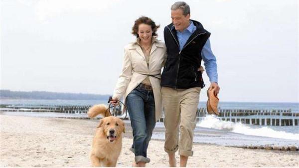 成都金牛区中海国际附近的高端养老机构一暄康养分享走路的注意事项 (5)