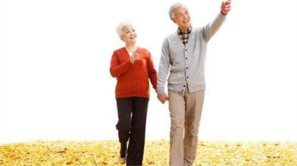 成都金牛区中海国际附近的高端养老机构一暄康养分享走路的注意事项 (4)