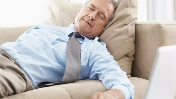 日常生活养生误区(二)-困了才睡