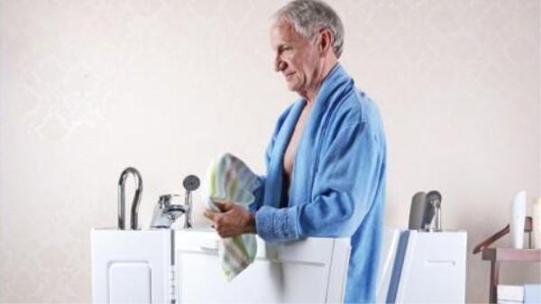 成都养老院一暄康养:老人冬季洗澡小贴士 (7)