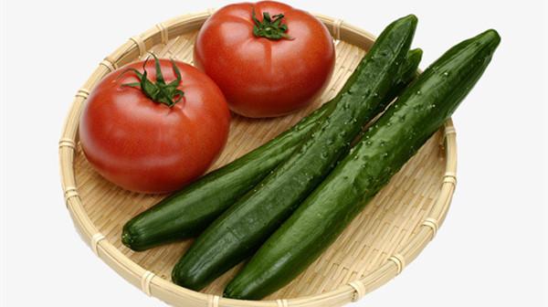 成都养老院一暄康养提醒黄瓜与什么食物同吃会降低营养(1)-黄瓜西红柿2