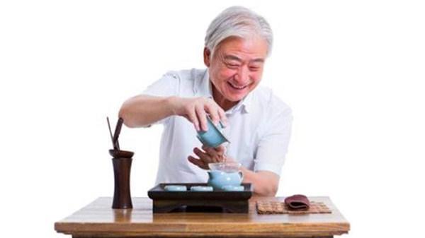 成都养老院一暄康养教您冬季怎样喝茶 (1)