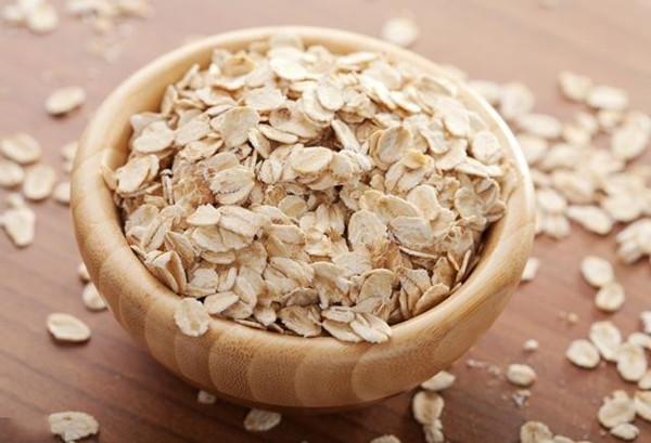 成都青羊区养老院一暄康养介绍老年人吃什么可以治疗失眠-燕麦2