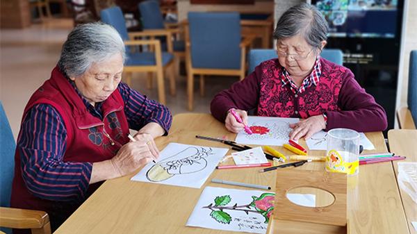 成都金牛区养老院老人透露涂色的技巧和作用1-封面