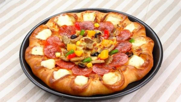 成都养老院一暄康养教您做披萨2