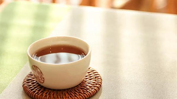 成都金牛养老院一暄康养带您了解饭后喝茶对身体有什么副作用-喝茶1