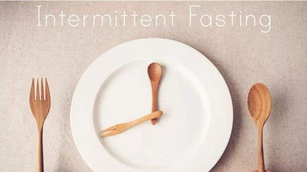 成都养老院一暄康养教您生活小妙招,避免低血糖-固定时间吃饭,规律进餐