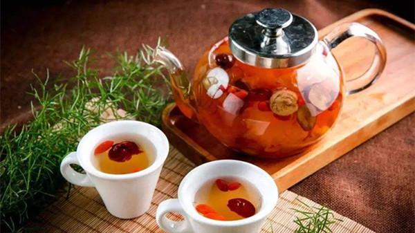 炎炎夏日,成都金牛区养老院为您推荐开胃山楂枸杞茶2