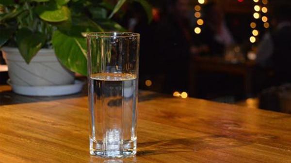 成都青羊区养老院-一暄康养介绍老人如何防止夜尿多-喝水2-封面