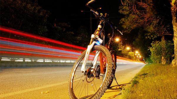 疫情未完人先胖,成都养老院一暄康养告诉你这些运动可常做(一)-骑自行车