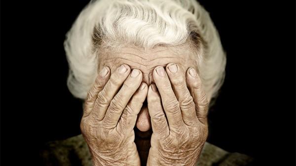 成都高端养老院一暄康养教您中老年人眼部护理 (2)