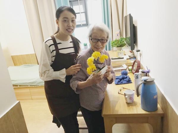 大王奶奶和照护师