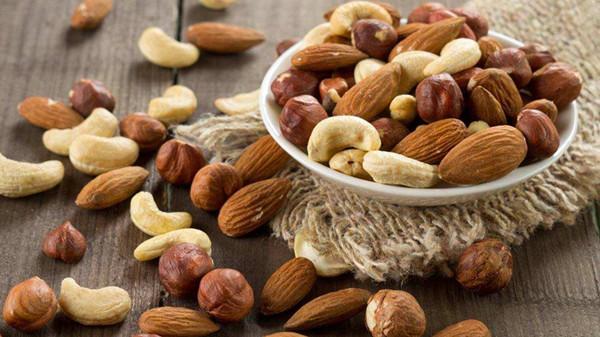 成都养老院一暄康养提醒六种情况下吃的坚果等于服毒(1)-坚果1