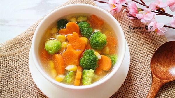蔬菜有营养!成都好的养老院一暄康养告诉你这些吃蔬菜的误区(三)-吃素不吃荤