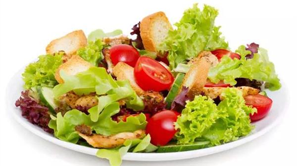 蔬菜有营养!成都金牛区养老院一暄康养告诉你这些吃蔬菜的误区(三)-吃菜不喝汤