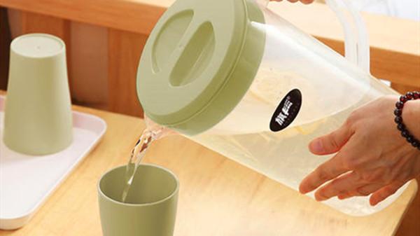 成都养老院-一暄康养分享老年人最适合的饮料是凉白开-凉白开2