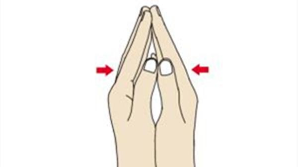 拍手可以健身怎么做?成都养老院教教您(一)1