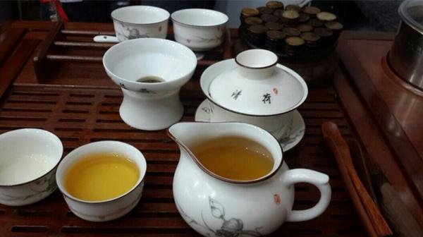 成都金牛养老院一暄康养提醒大家饭后一定不要做得事情(1)-喝茶2
