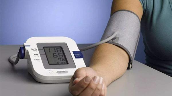 血压计你会用吗?成都养老院一暄康养这样用(二)2