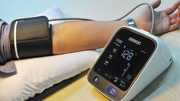 血压计你会用吗?成都养老院一暄康养这样用(三)2