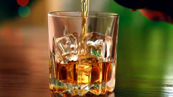 成都高端养老院-一暄康养提醒喝多少酒不会伤身体-酒