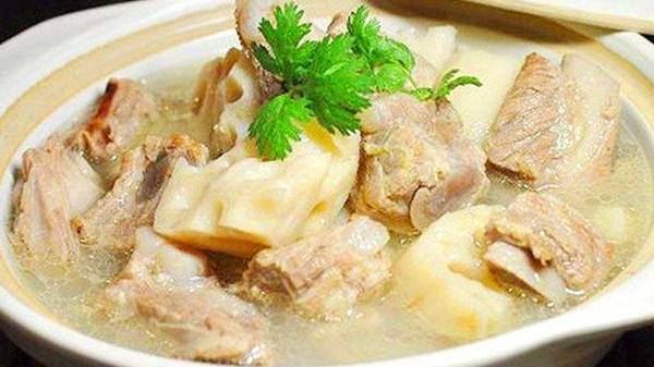 成都养老院经验分享:冬季老年人的养生汤(九)莲藕排骨汤