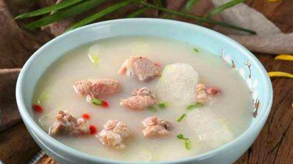 成都养老院经验分享:冬季老年人的养生汤(十)冬瓜排骨汤