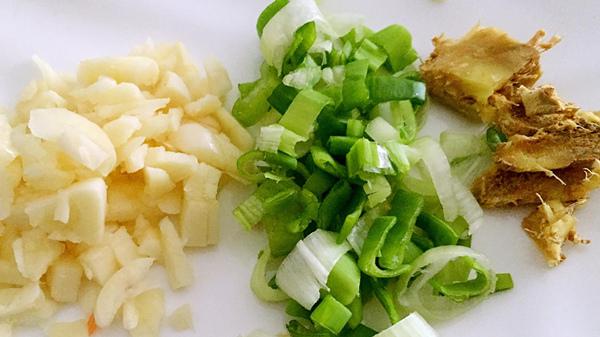 成都高端养老院一暄康养分享立春养肝食材-葱姜蒜